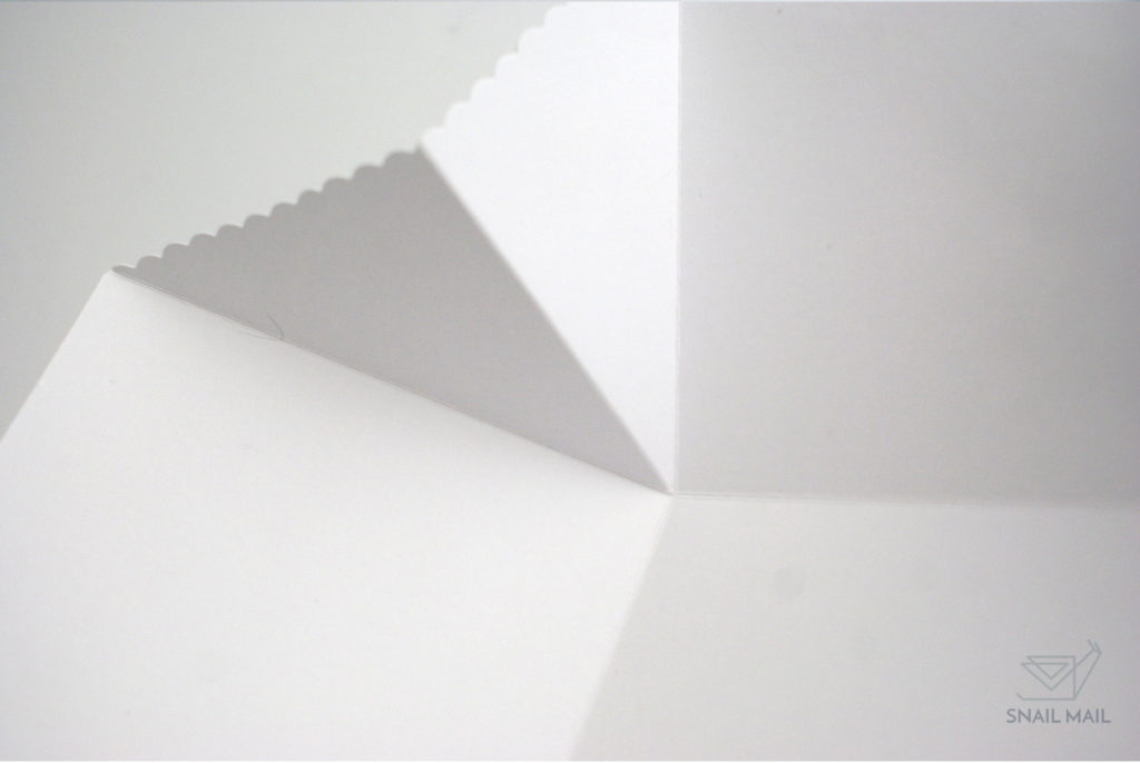 biały exploding box wykończenie