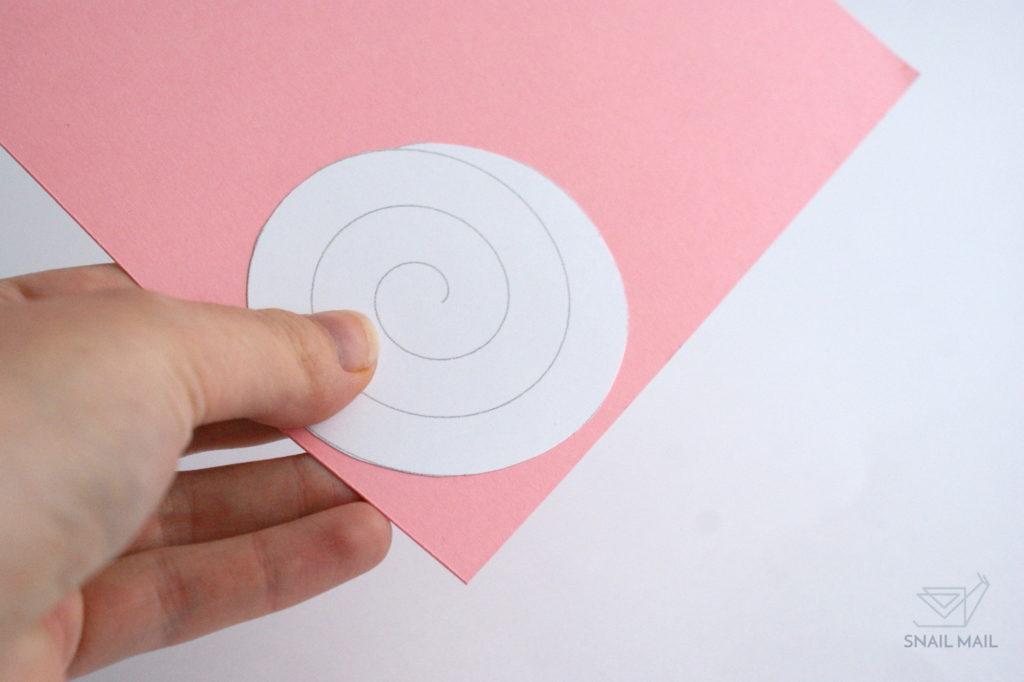 papierowe różyczki diy jak zrobić