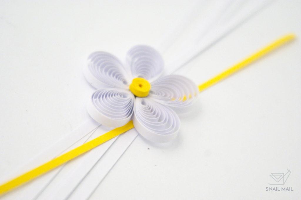 Zakręcony kwiatek quilling jak zrobić