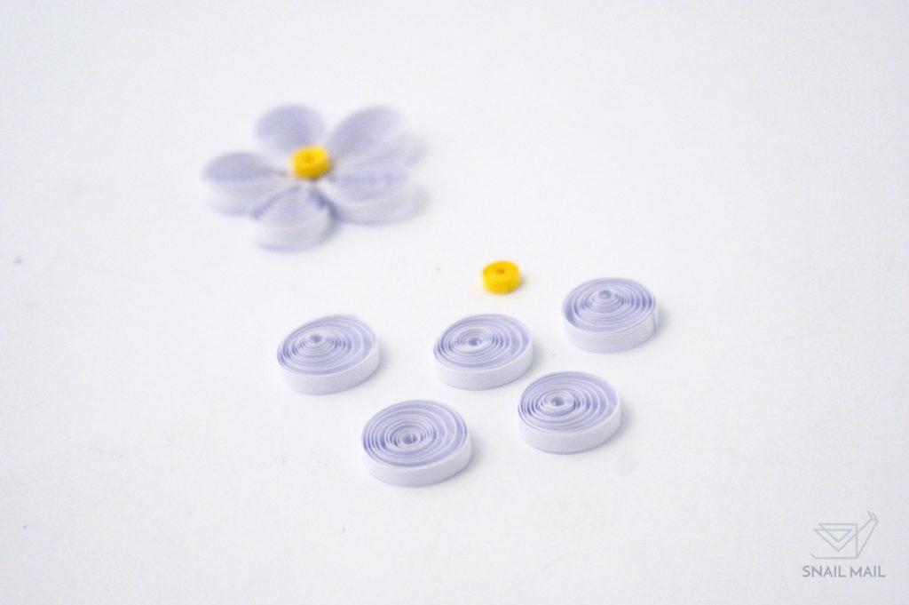 Zakręcony kwiatek quilling prosty tutorial diy